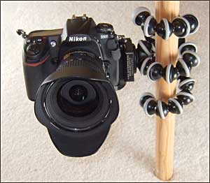 http://www.earthboundlight.com/images/phototips/gorillapod-3.jpg