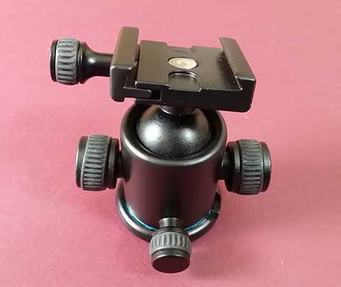 The XCSource 'Pro All Metal Camera Tripod Ballhead with Quick Release Plate'